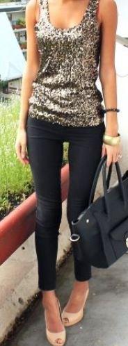 silverväst topp med paljetter hals och svarta skinny jeans