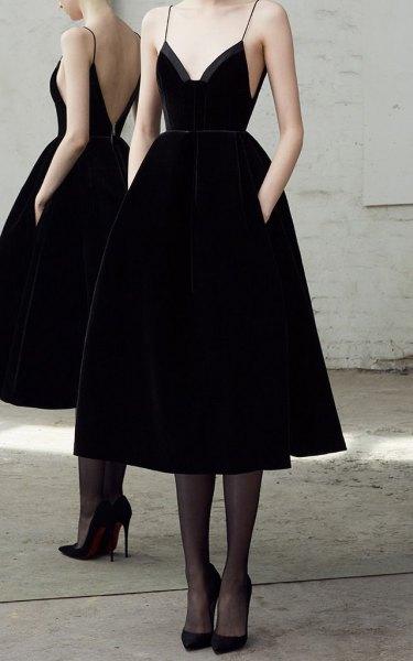 Fit and Flare Spaghetti Straps Midi Velvet Dress