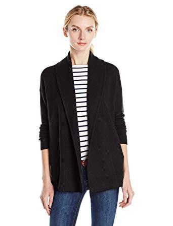 svart halsduk kofta med randig t-shirt med rund halsringning