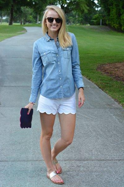 Chambray skjorta vita kammade shorts