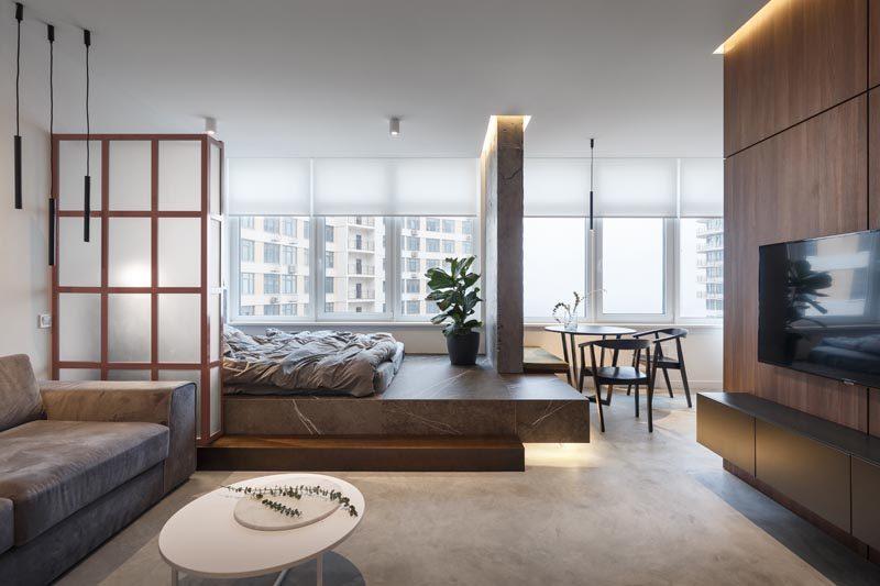 Denna lilla lägenhet utsåg utrymme för sovrummet genom att placera.