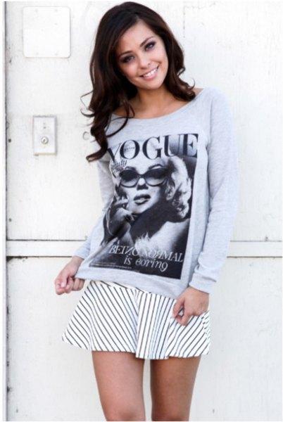 grå grafisk sweatshirt med vit och svart randig skater minikjol