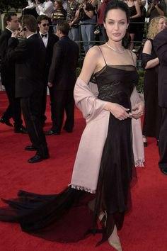 svart maxi chiffong klänning med spaghettiband och filt halsduk