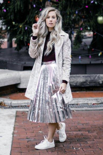 grå nallejacka, silver metallic veckad kjol