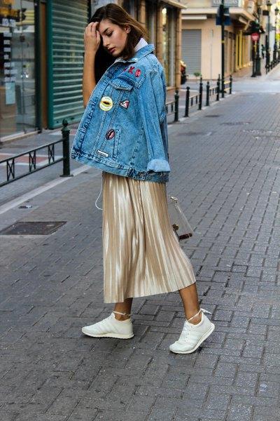 Jeansjacka i rosa guldmetallrock