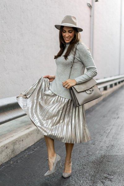 grå, figur-kramande långärmad T-shirt silver kjol