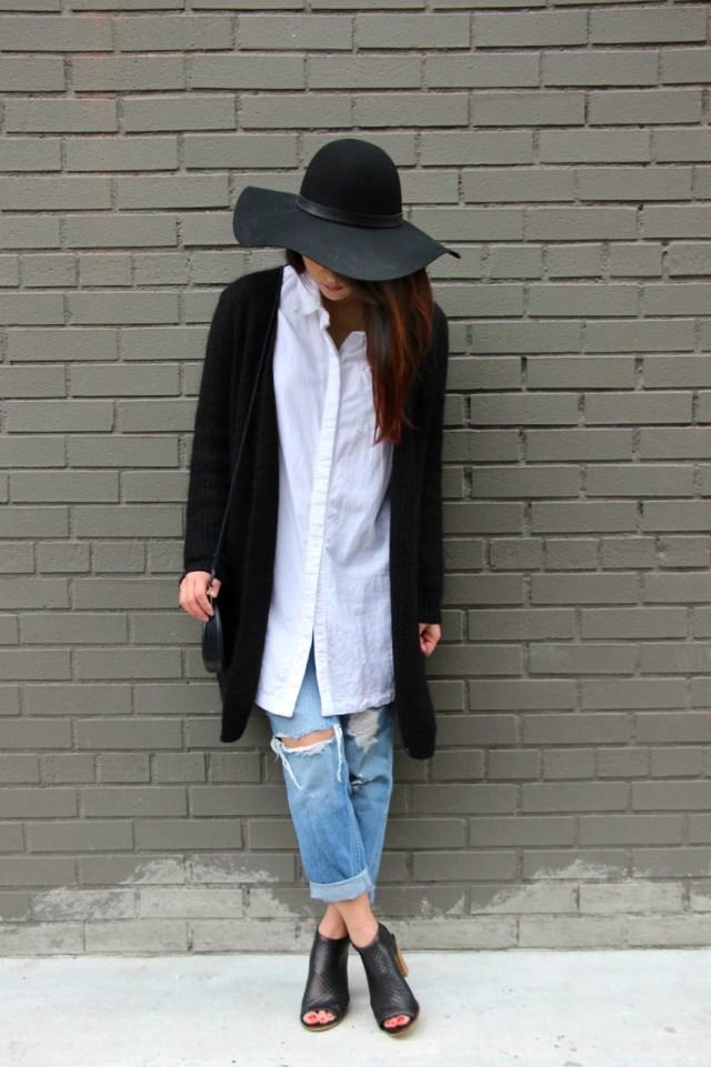 Pojkvän jeans lång tröja jacka öppen tå stövlar