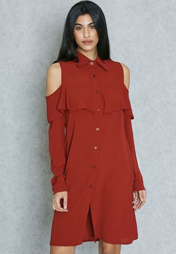 vinröd skjortklänning med kall axel