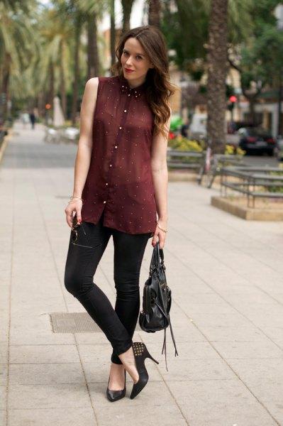 halvtransparent skjorta med svart krage i vinröd chiffong