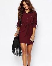 Burgundy skjortklänning med bälte, svarta fotkängor