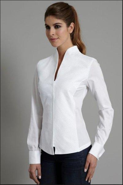 vit tjock skjorta med svarta skinny jeans