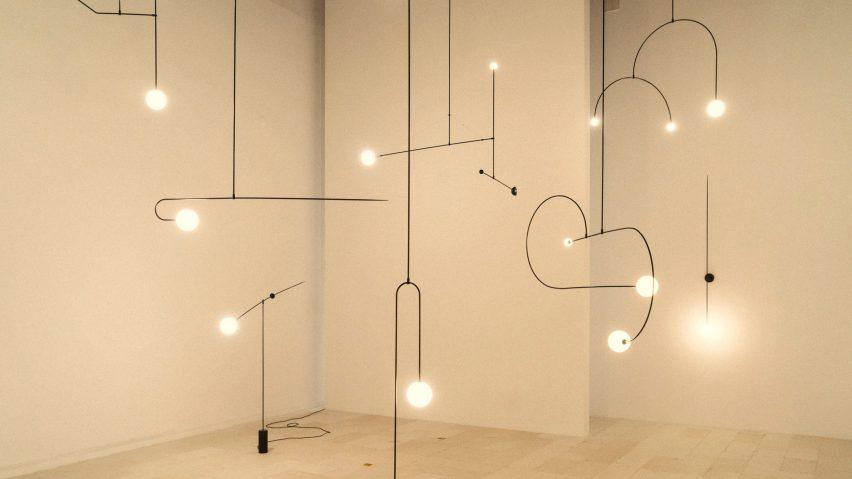Michael Anastassiades presenterar sin skulpturella belysning i Things.