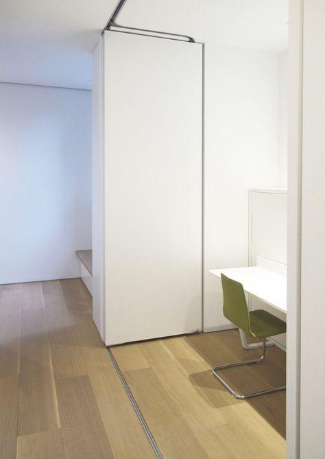 Ett SoHo-loft med ett dolt loftrum av Julian King Architect.
