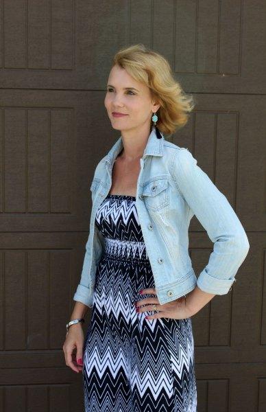 Ljusblå jeansjacka med stamklänning