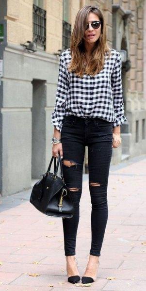 svartvit rutig skjorta med trasiga skinny jeans