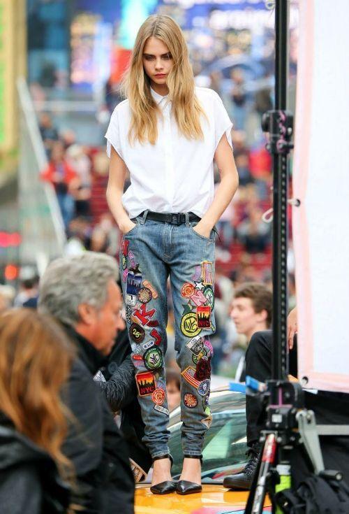 Patched Jeans Vit T-shirt