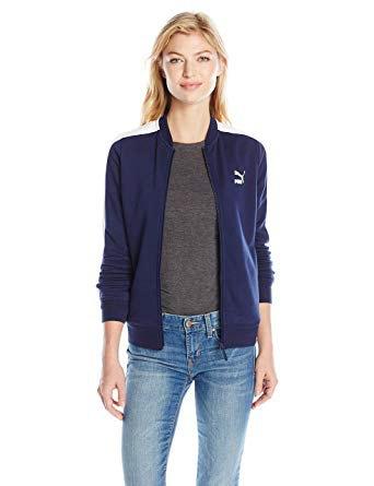 Mörkblå Puma sportjacka med grå T-shirt och smala jeans