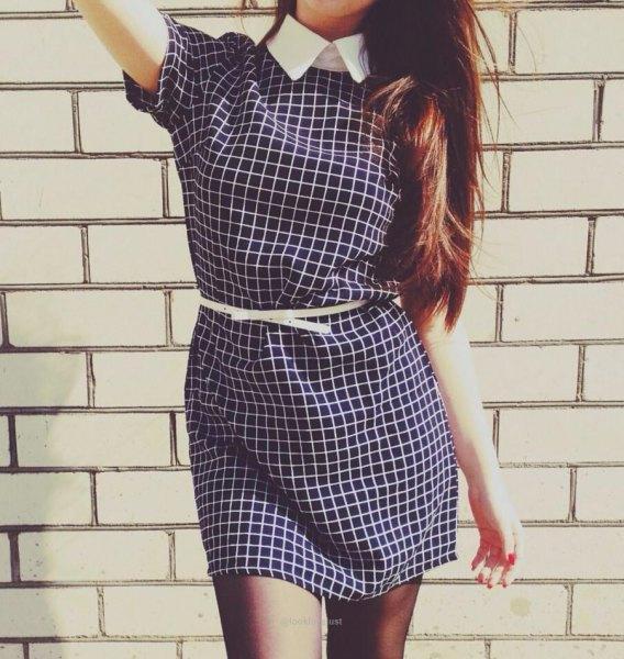 svartvitt rutig kortärmad miniklänning med bälte och skjortkrage