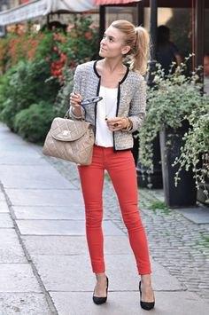 Tweed jacka vit topp röda jeans