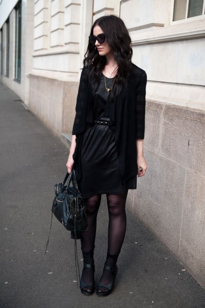 svart kavaj med läder miniklänning med bälte