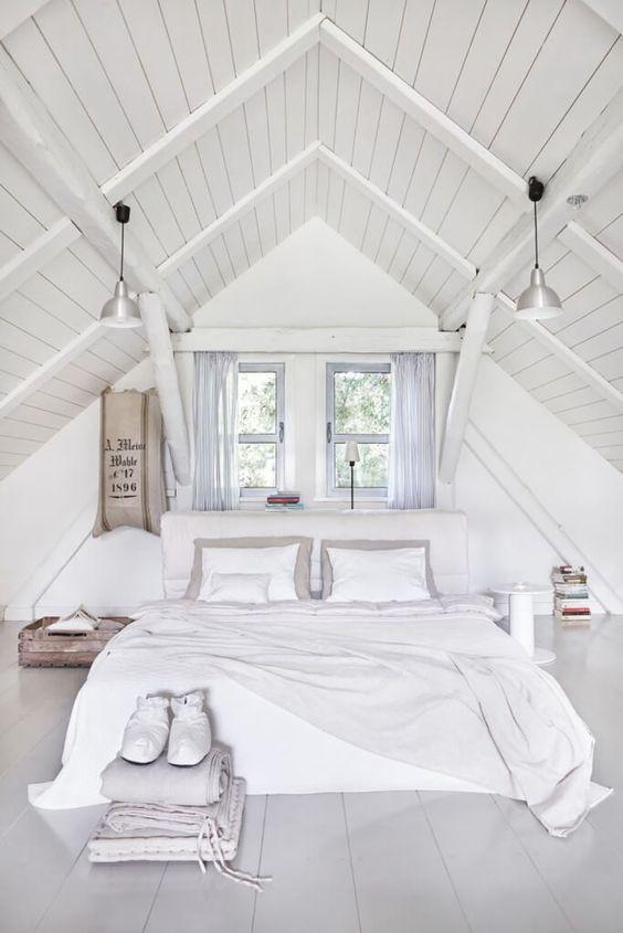 Hur man lägger till intresse för ett vitt rum: 25 idéer  Vindsvåning.