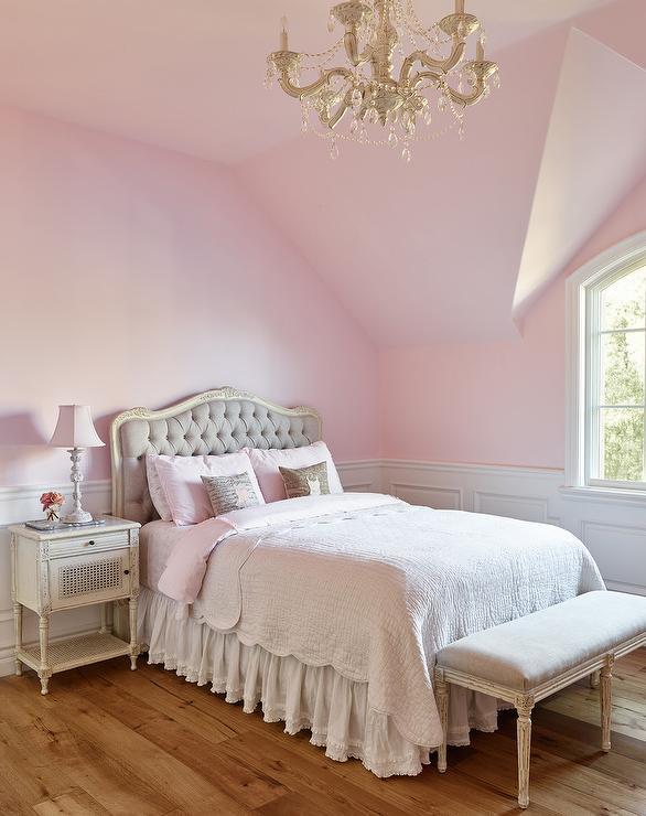 Oubj flickor sovrum med franska grå tuftade huvudgavel - franska.