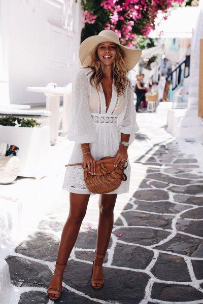 vit spets halv genomskinlig mini flare täcka upp klänning