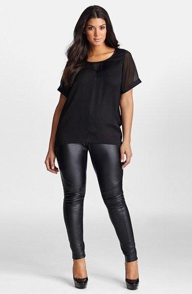svart chiffong t-shirt med scoop halsringning och läder damask