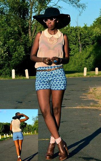 Ljusgul ärmlös chiffongblus med shorts i blått mönster