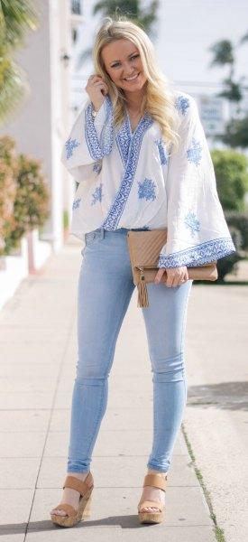 blå och vit draperad topp i japansk stil