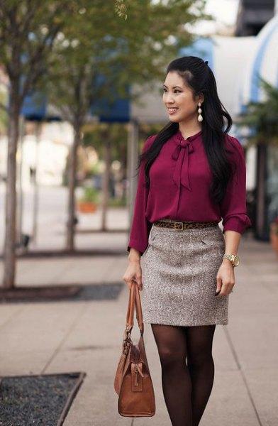 grå slipsblus med minikjol och bruna tights