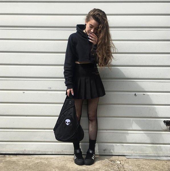 svart skridsko klänning outfit