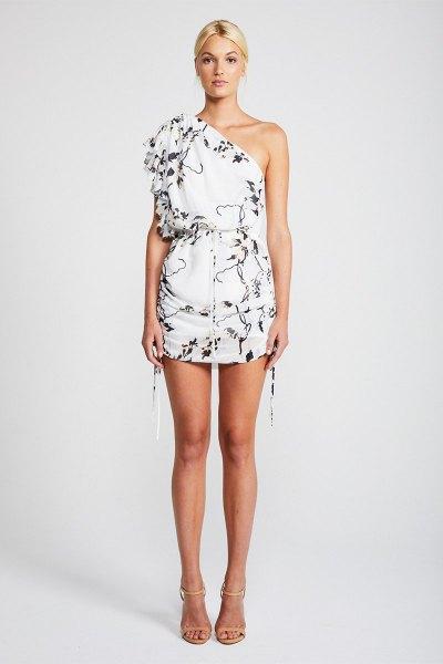 vit blommig miniklänning med en axel