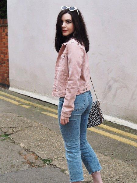 Jeansjacka med ljusblå, beskurna mamma-jeans