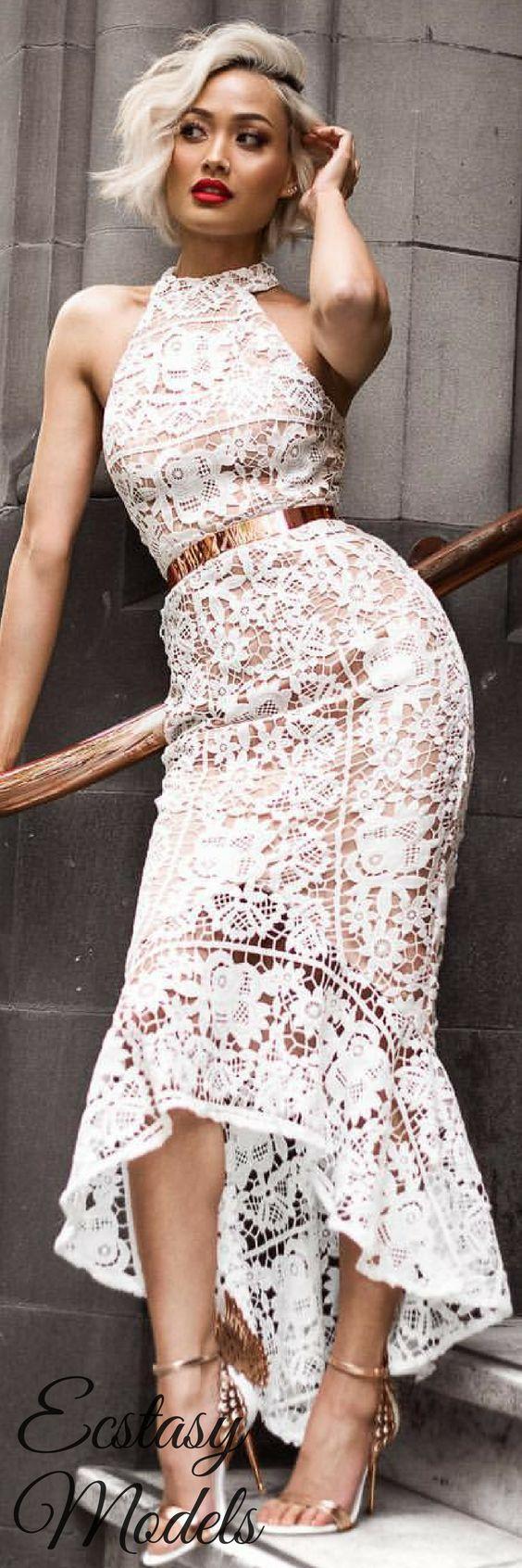 vit spetsgrimsklänning midi