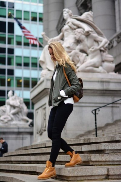Bomberjacka Black Jeans Timberland Boots Outfit