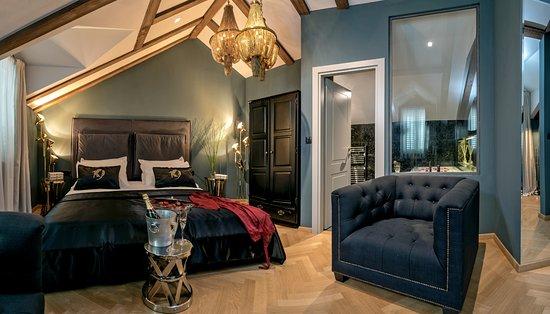 Penthouse suite with massage bath - Bild från Heritage Hotel 19.