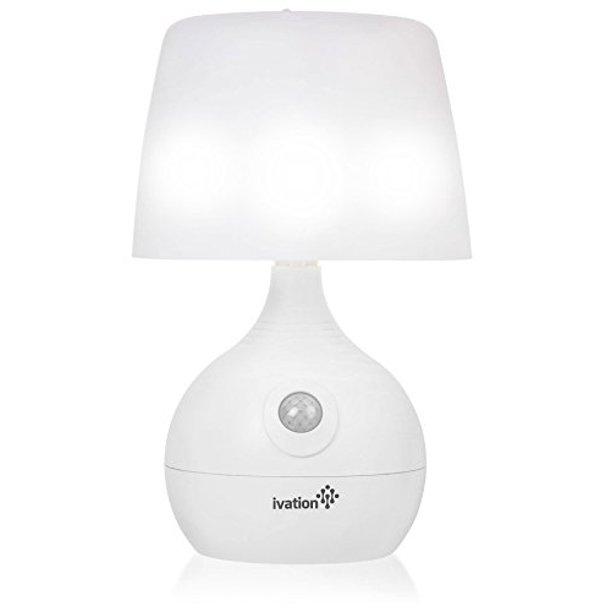 Ivation 12-LED batteridriven rörelsekännande bordslampa - dubbel.