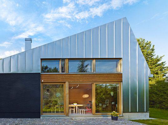 Metallklädda House L är en modern semesterresa i Finland.