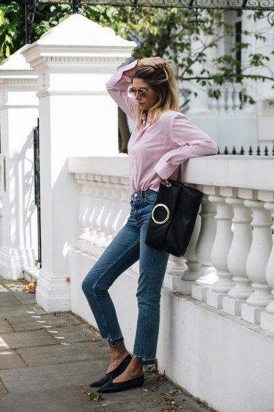 Skjorta med knappar och beskurna smala jeans
