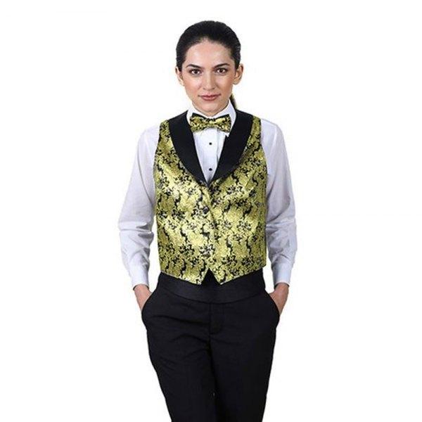 Väst med guld och svart tryck, matchande fluga och vit skjorta