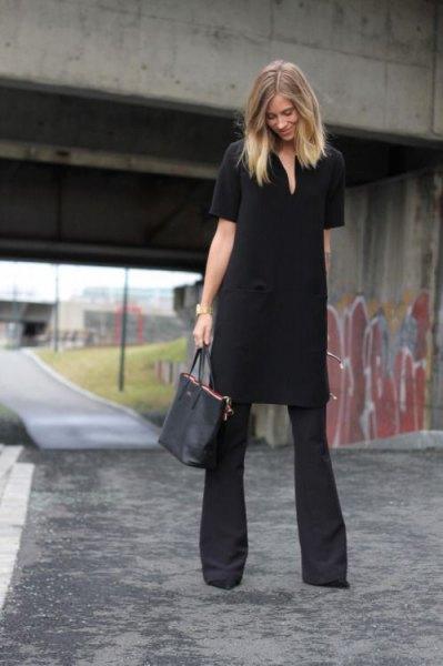 svart tunikaklänning med vidgade byxor