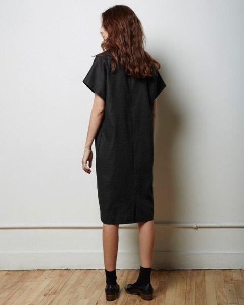 svart tunika klänning med crew strumpor oxford skor