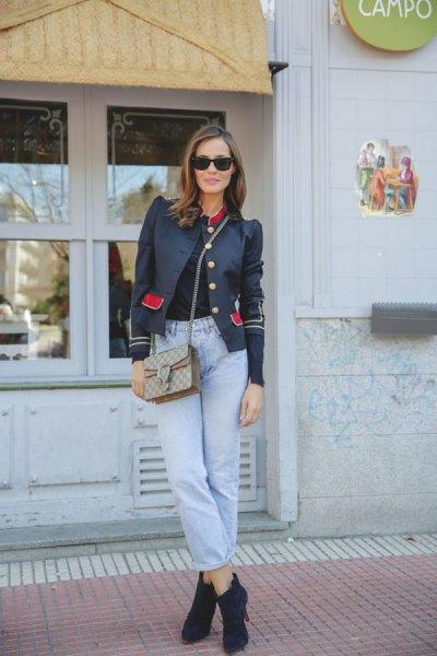 svart puff axel kavaj med mamma jeans