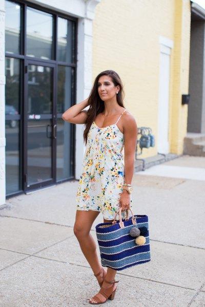vit flora cami klänning med sandaler