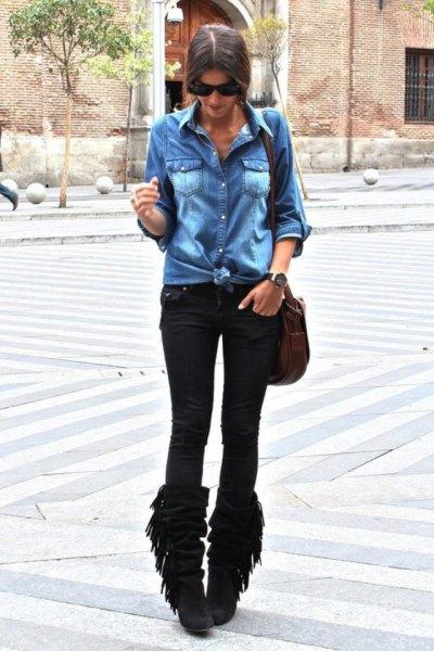 svarta fransade stövlar denimskjorta drainpipe jeans