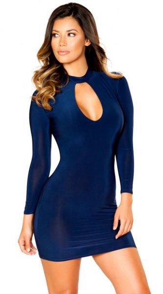 Mörkblå långärmad klänning med kort urringning framtill
