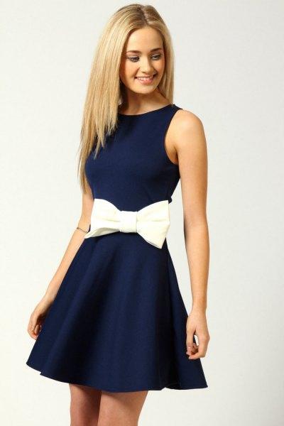 Fit och choker midja marinblå kort klänning