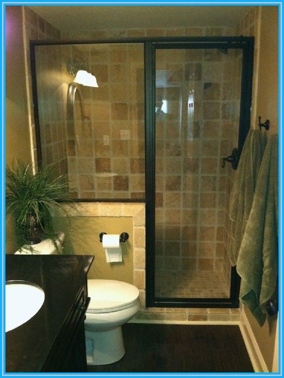 Oavsett storlek är det ett stort projekt att bygga om ett litet badrum.