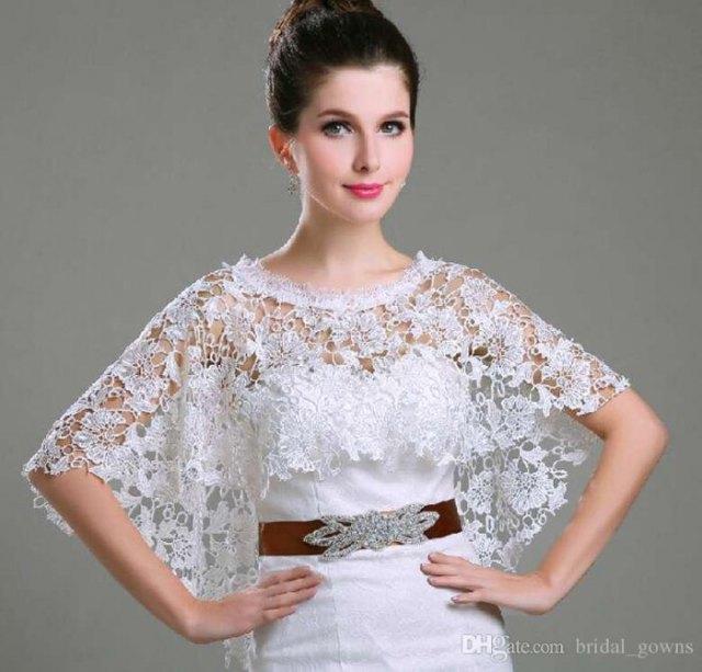 vit spets axelbrudtärna klänning